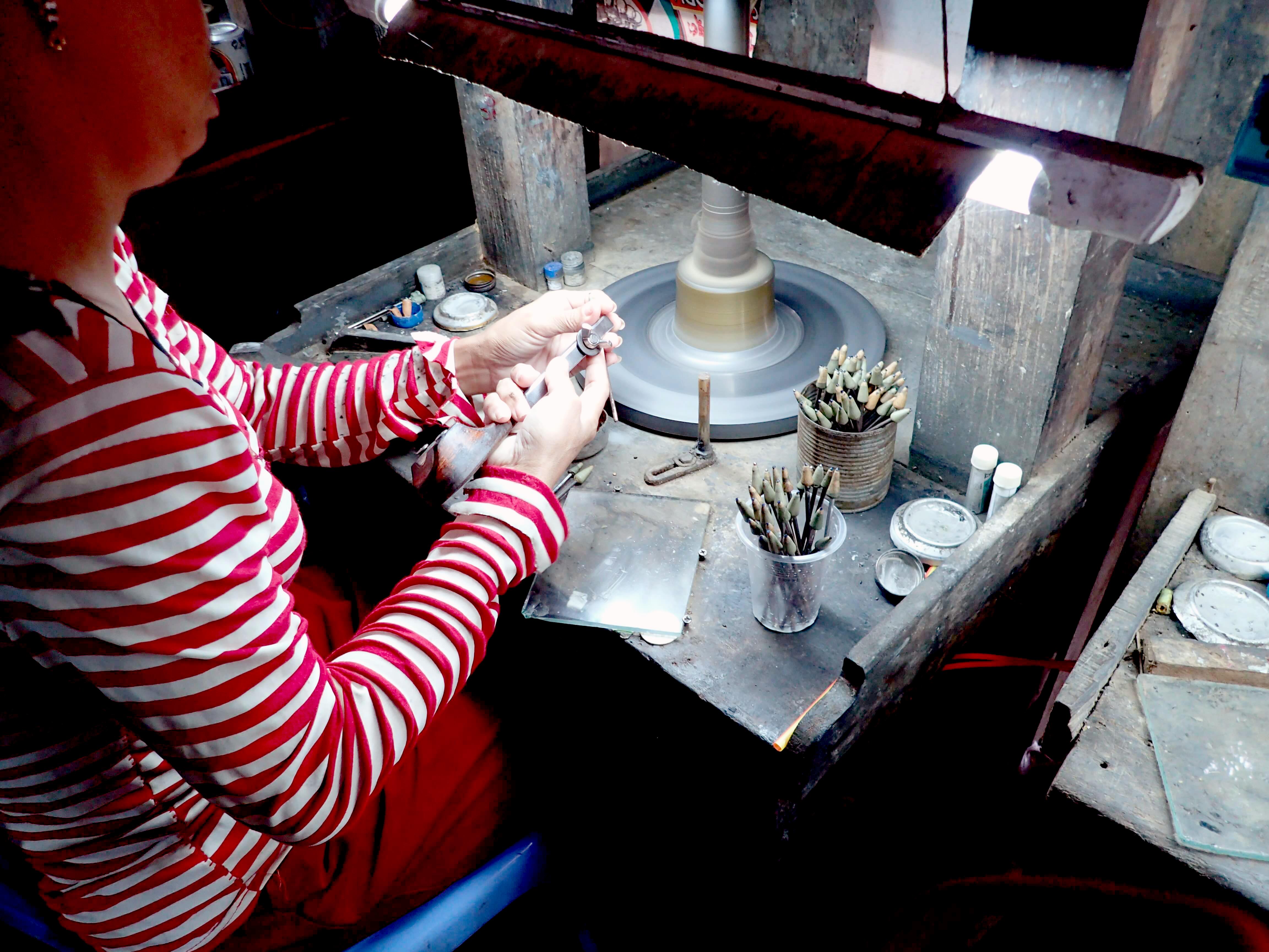カンボジア 宝石研磨