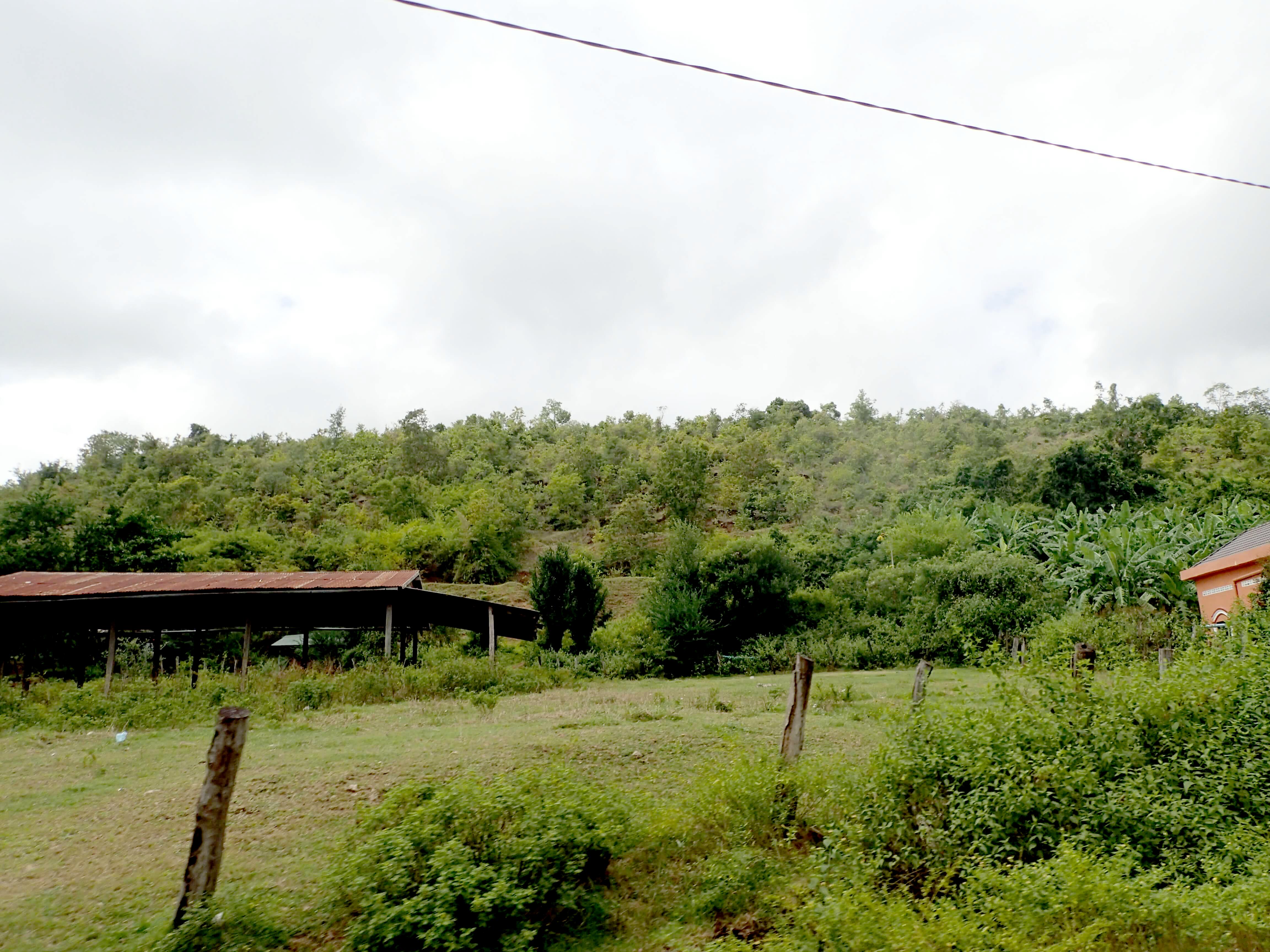 パイリンルビー採掘場の村