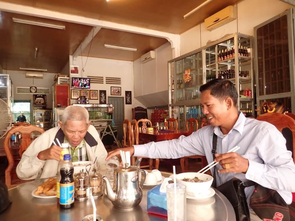 カンボジア朝食